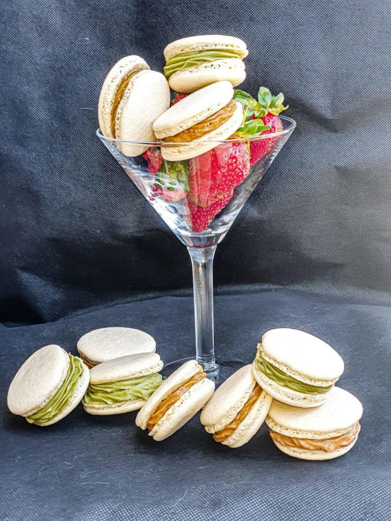 Vegan Recipes Cacao-Shamaness Vegan Macarons with White Chocolate Matcha Ganache and Lotus Buttercream