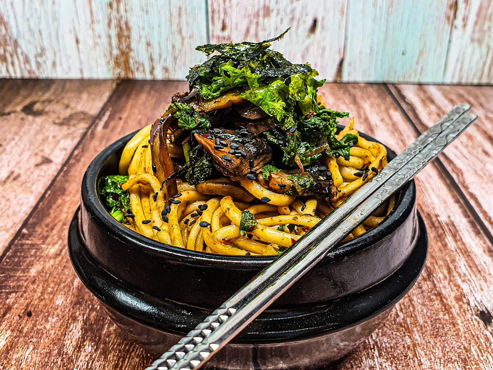 Vegan Recipes Cacao-Shamaness Vegan Udon Noodles with Kale Chinese Eggplant and Mushrooms