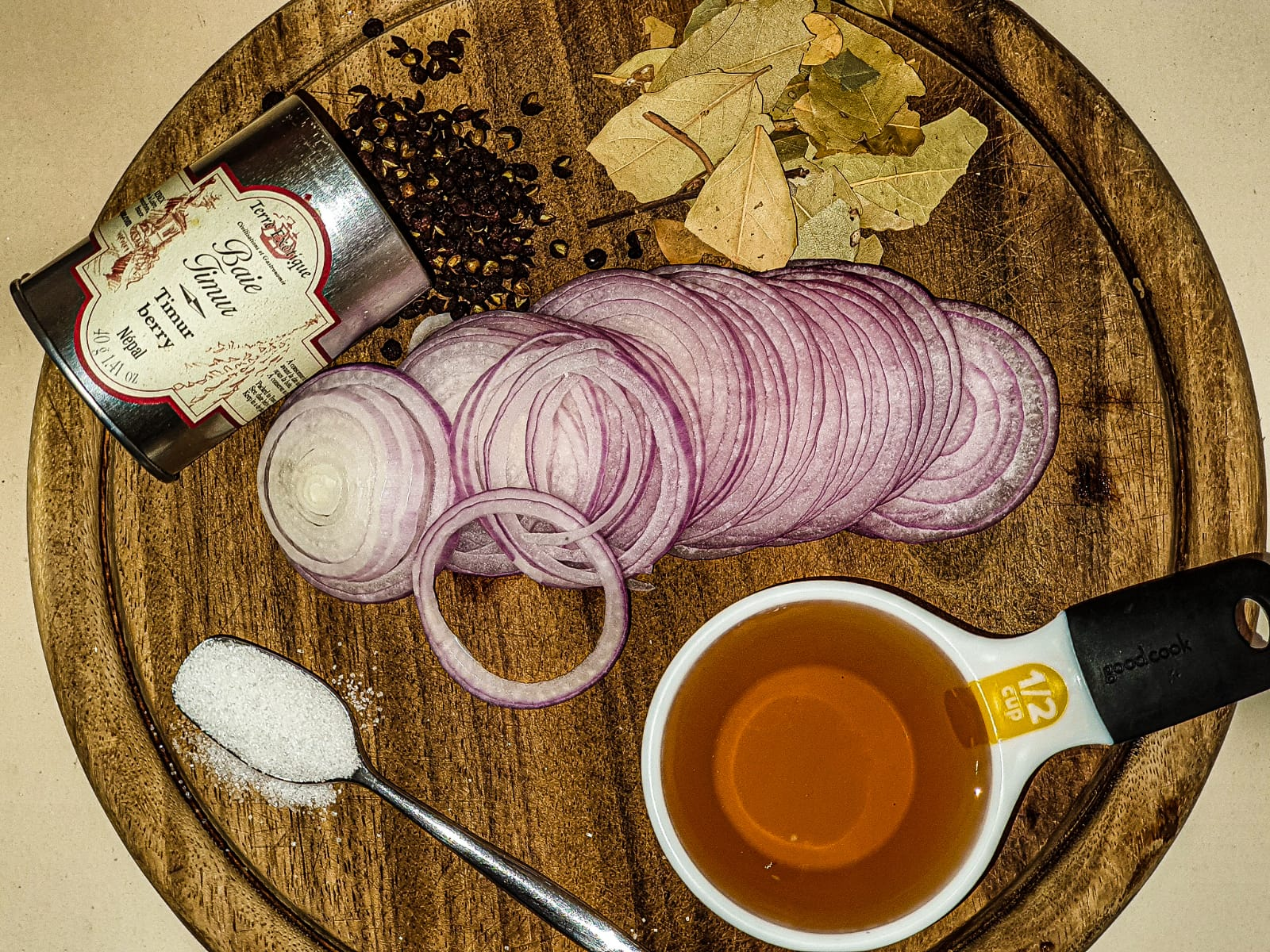 Vegan Recipes Cacao-Shamaness ingredients for Red Pickled Onion Recipe