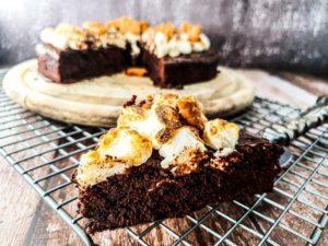 Vegan Recipes Cacao-Shamaness Vegan Brownie S'mores Cake.