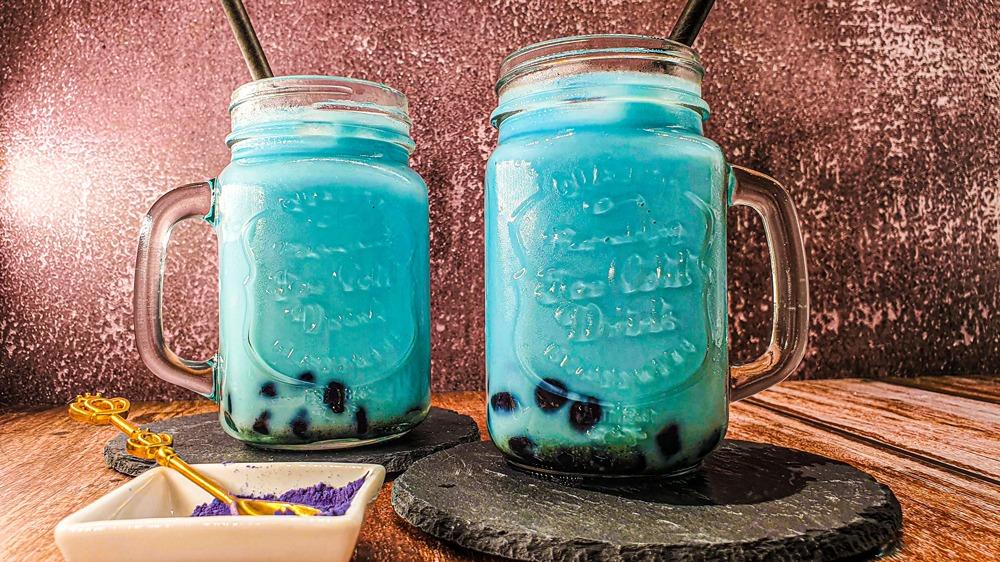Vegan Recipes Cacao-Shamaness Vegan Blueberry Bubble Milk Tea with Tapioca Pearls