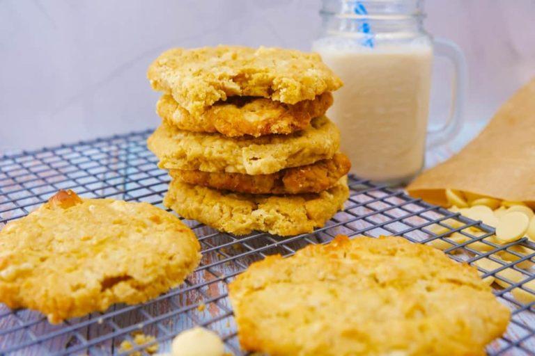 מתכונים טבעוניים קקאו-שאמאנס עוגיות מקדמיה ושוקולד לבן טבעוניות