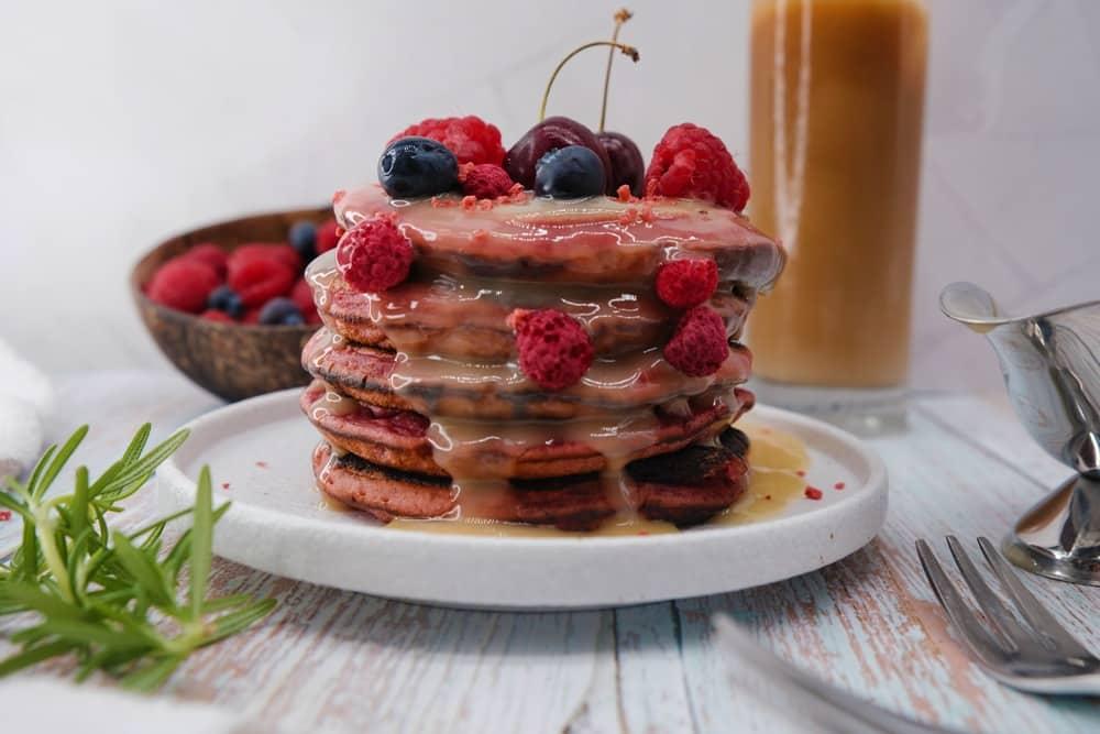 Vegan Recipes Cacao-Shamaness Vegan Pink Pitaya Pancakes & Vegan White Chocolate Yogurt Ganache