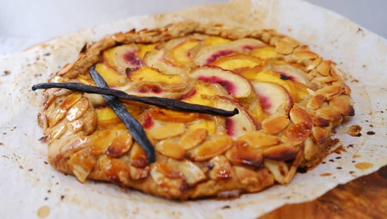 מתכונים טבעוניים קקאו-שאמאנס גאלט אפרסקים ושמנת טבעוני