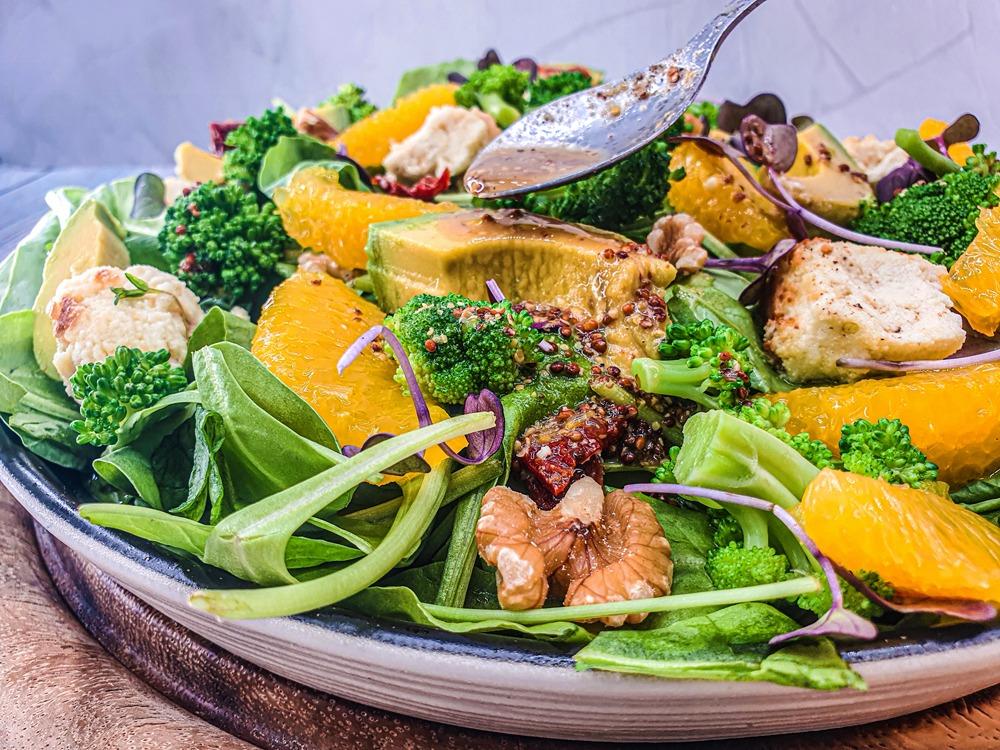 Vegan Recipes Cacao-Shamaness Vegan Summer Spinach Salad